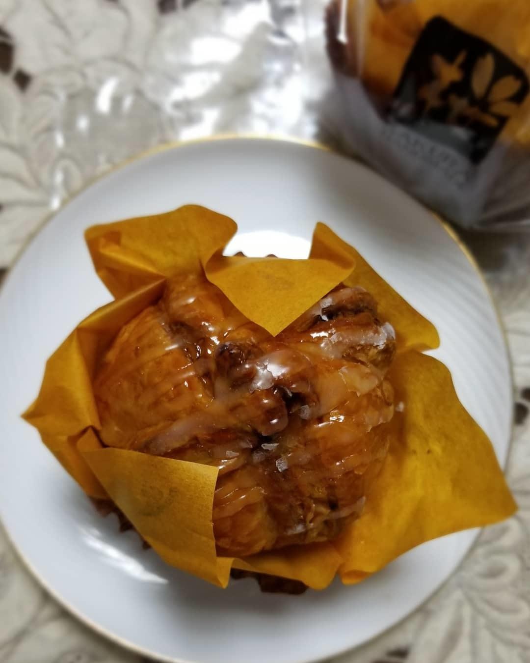 桜珈琲 SAKURA COFFEE * ケーキセットと秋限定のまろんパイ♪_f0236260_21475465.jpg