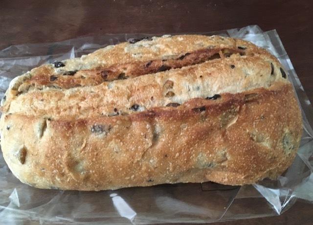 最近買ったパン各種-オリーブパン、バルバリ_e0350971_10441658.jpg