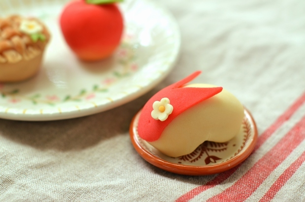 りんごとアップルパイの練り切り_d0025294_17470490.jpg