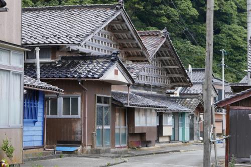海界の村を歩く 日本海 飛島_d0147406_14350804.jpg
