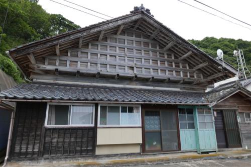 海界の村を歩く 日本海 飛島_d0147406_14351068.jpg