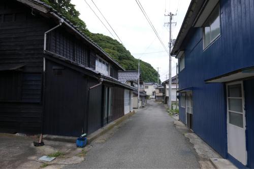 海界の村を歩く 日本海 飛島_d0147406_14363122.jpg