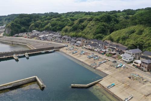 海界の村を歩く 日本海 飛島_d0147406_14364344.jpg