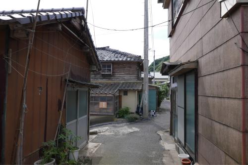 海界の村を歩く 日本海 飛島_d0147406_14415157.jpg