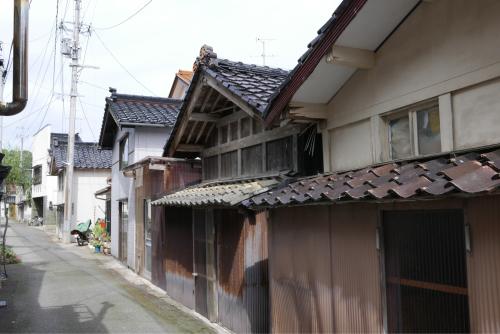 海界の村を歩く 日本海 飛島_d0147406_14532501.jpg