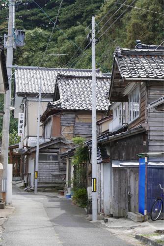 海界の村を歩く 日本海 飛島_d0147406_14541864.jpg