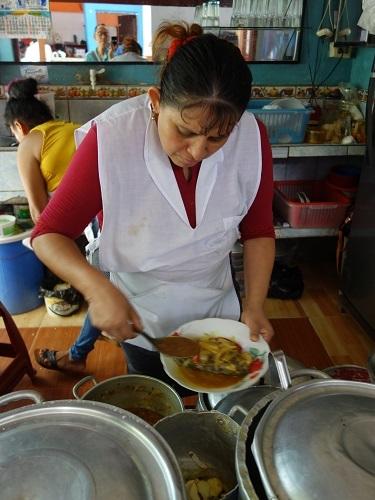 ユリマグアス市場でSUDADO DE PESCADO:魚のシチュー_c0030645_12184732.jpg