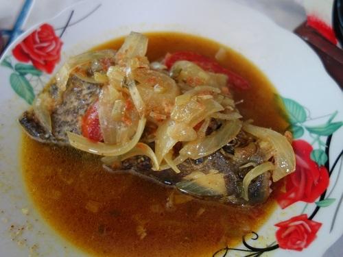 ユリマグアス市場でSUDADO DE PESCADO:魚のシチュー_c0030645_12185213.jpg