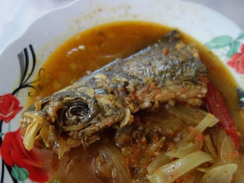 ユリマグアス市場でSUDADO DE PESCADO:魚のシチュー_c0030645_12191293.jpg