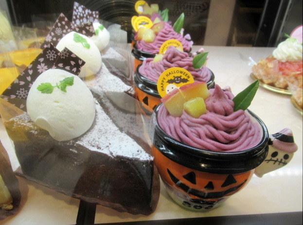 桜珈琲 SAKURA COFFEE * ケーキセットと秋限定のまろんパイ♪_f0236260_23305856.jpg