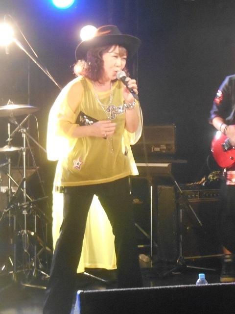 大阪MUGENライブ満杯の応援ありがとう_d0155569_11391178.jpg