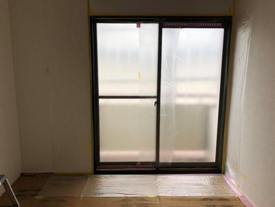 窓枠シート張り_c0331470_23542536.jpg