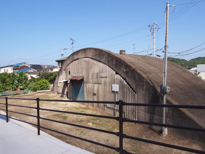 旧松山航空基地掩体壕_f0116479_20540585.jpg