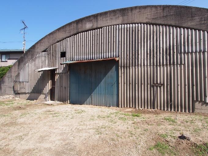 旧松山航空基地掩体壕_f0116479_21044916.jpg