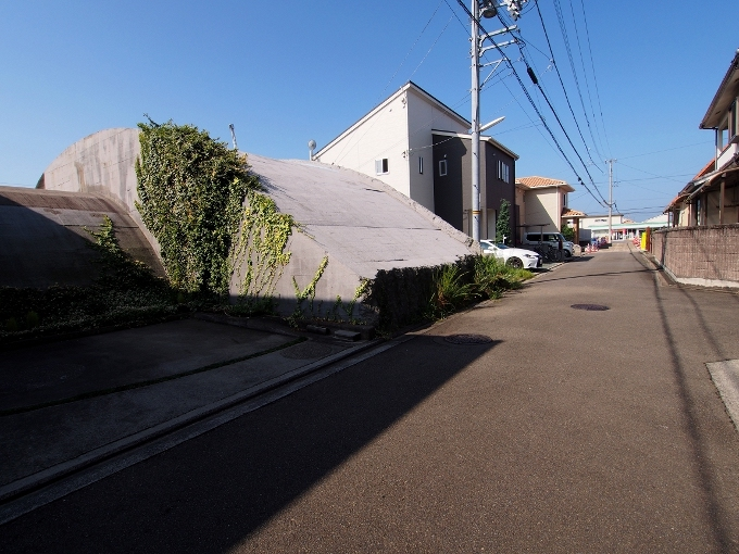 旧松山航空基地掩体壕_f0116479_21321033.jpg
