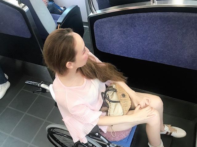車椅子で電車乗る。@京都_a0050302_20074244.jpg