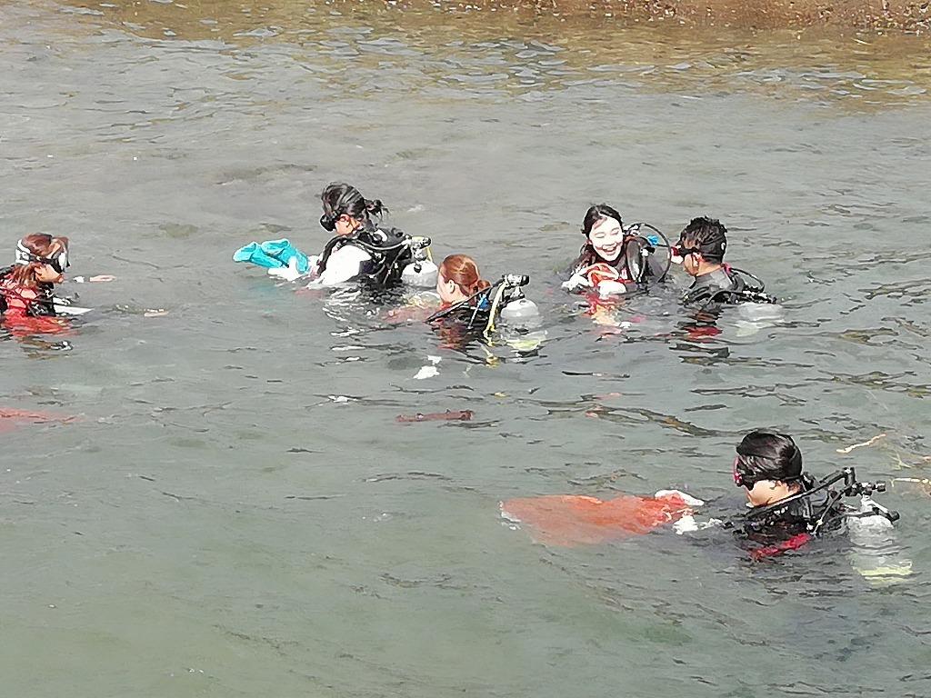 スキューバダイビングで海底ゴミ回収!_d0050503_17221916.jpg