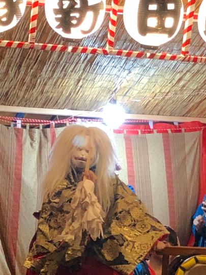 今日は、お母さんと一緒に地元の川越祭りに行きました!たくさんの人がいてビックリしました。もつ焼きとかたくさん食べました❤_e0001906_18142464.jpg