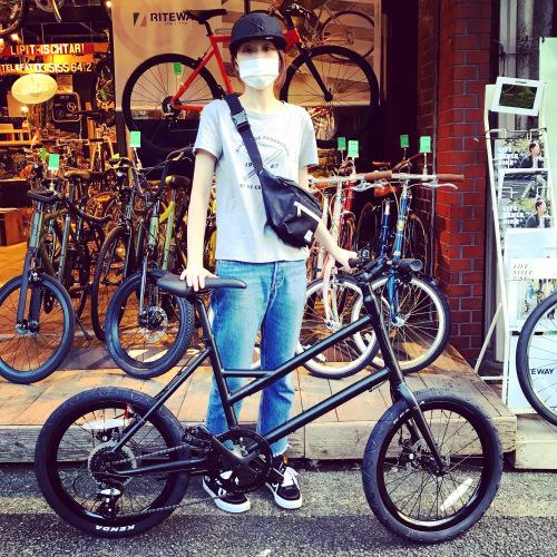 ☆本日のバイシクルガール☆ 自転車女子 自転車ガール ミニベロ クロスバイク ライトウェイ トーキョーバイク シュウイン ラレー ブルーノ おしゃれ自転車 マリン ターン シェファード_b0212032_15171303.jpeg