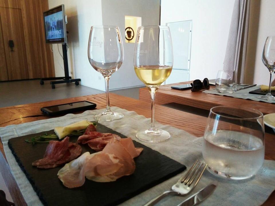 ワインテイスティングで新しいワインを知る!_b0305039_16421065.jpg