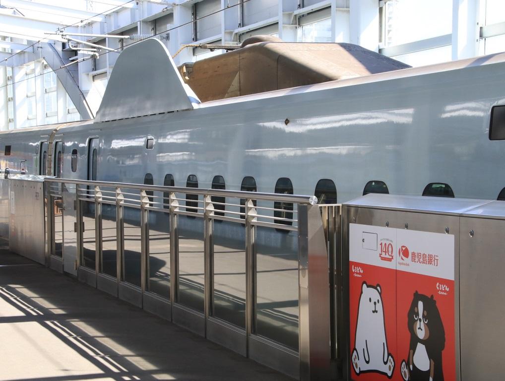 JR九州 鹿児島中央駅にて! _d0202264_14373445.jpg