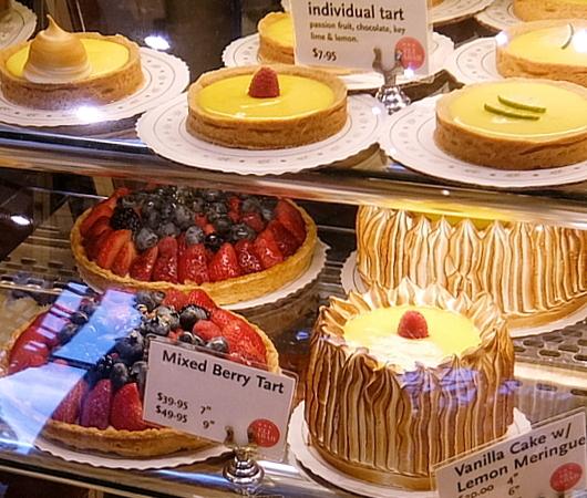 美味しそうなパンやケーキいっぱいのEli Zabar\'s Bread & Pastry_b0007805_04454064.jpg