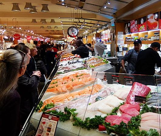 グラセン・マーケットの魚屋さん、Pescatore Seafood_b0007805_05333274.jpg