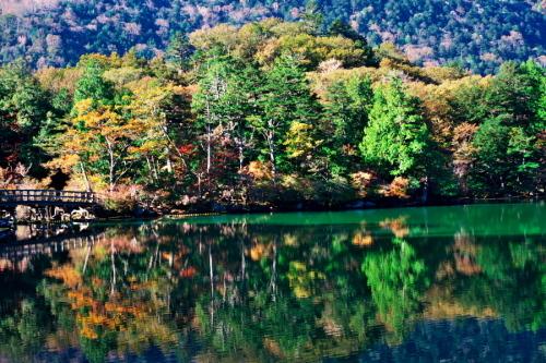 奥日光 湯ノ湖の紅葉の始まり1_a0263109_19262348.jpg