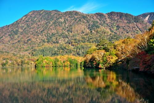 奥日光 湯ノ湖の紅葉の始まり1_a0263109_19262412.jpg