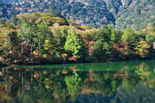 奥日光 湯ノ湖の紅葉の始まり1_a0263109_19262462.jpg