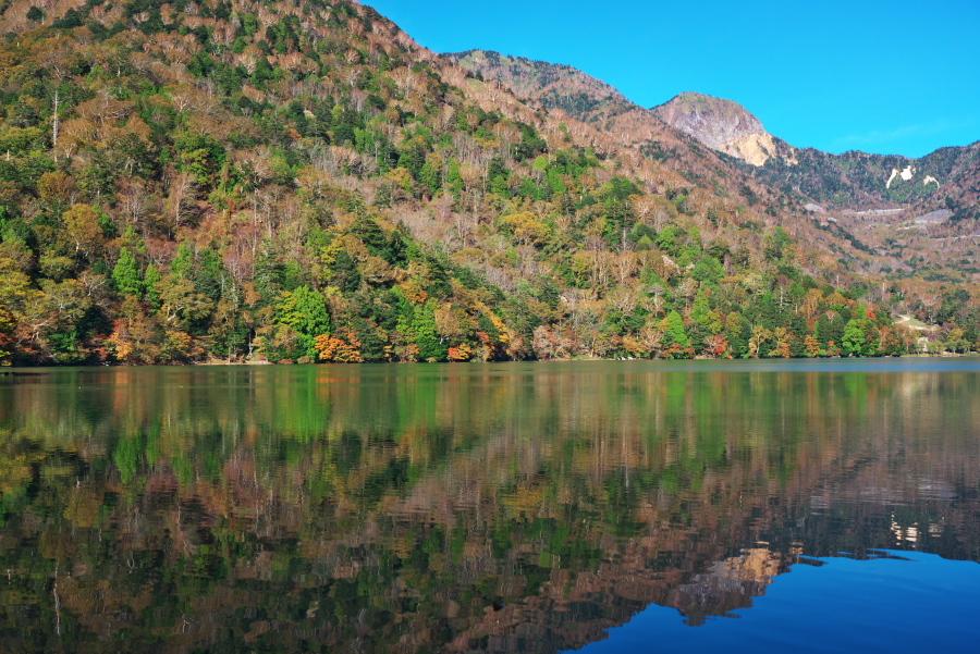 奥日光 湯ノ湖の紅葉の始まり1_a0263109_19271508.jpg