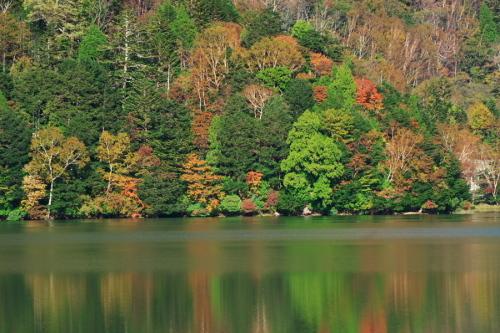 奥日光 湯ノ湖の紅葉の始まり1_a0263109_19271597.jpg