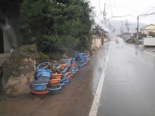 NPOふじ環境倶楽部で台風19号で被災した長野市に支援物資を運搬・納入_f0141310_09012411.jpg
