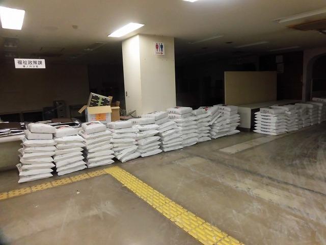 NPOふじ環境倶楽部で台風19号で被災した長野市に支援物資を運搬・納入_f0141310_09014398.jpg