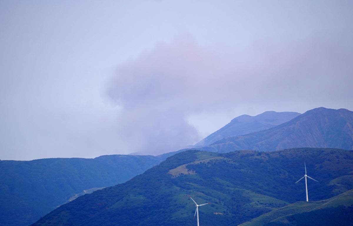 昨日の阿蘇熊本飛行場。_b0044115_05080832.jpg