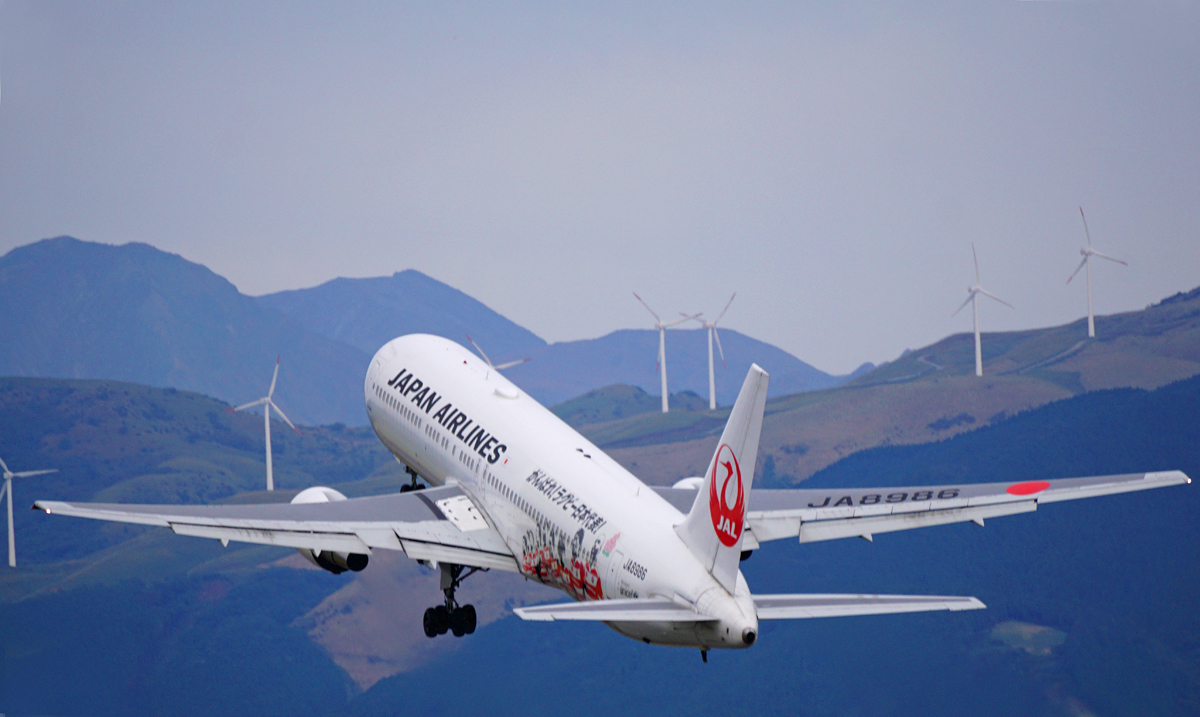 昨日の阿蘇熊本飛行場。_b0044115_05105868.jpg