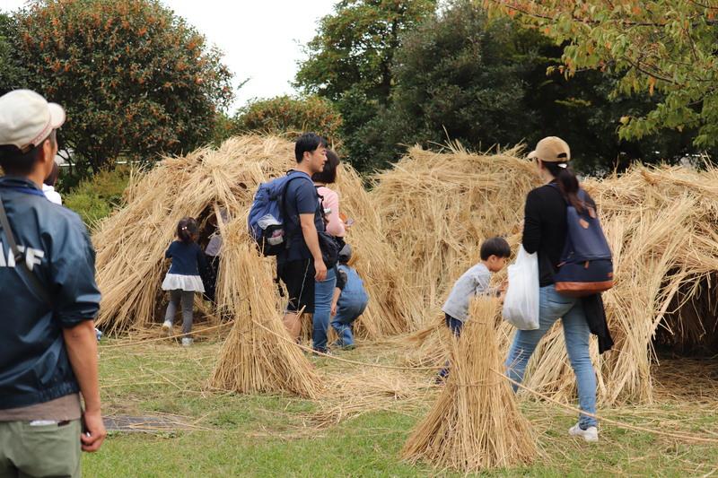秋の収穫祭を愉しむファミリー!_a0214329_1594222.jpg
