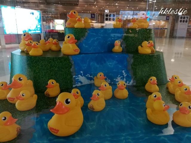 香港國際機場二號客運大樓到着_b0248150_13391508.jpg