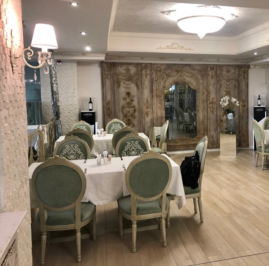 キシナウのホテルBRISTOL@モルドヴァ_a0092659_17045110.jpg