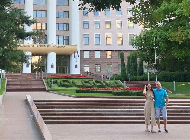 旧ソ連の面影を残すキシナウ街歩きと最後の夕食@モルドヴァ_a0092659_17515463.jpg