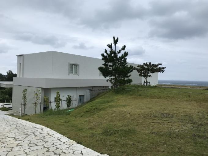 沖縄の珊瑚の教会_b0100062_05011944.jpeg