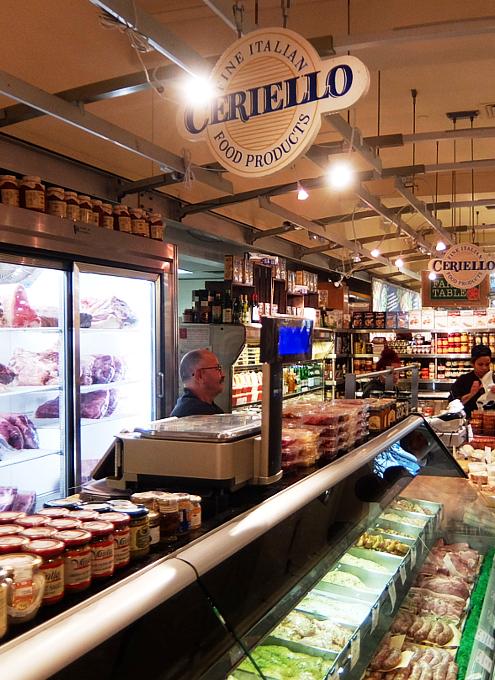 『ぐるぐる巻いて美味しくする』老舗イタリア系食材屋さん、Ceriello Fine Foods_b0007805_02301093.jpg