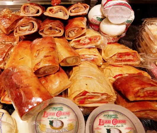 『ぐるぐる巻いて美味しくする』老舗イタリア系食材屋さん、Ceriello Fine Foods_b0007805_02314985.jpg
