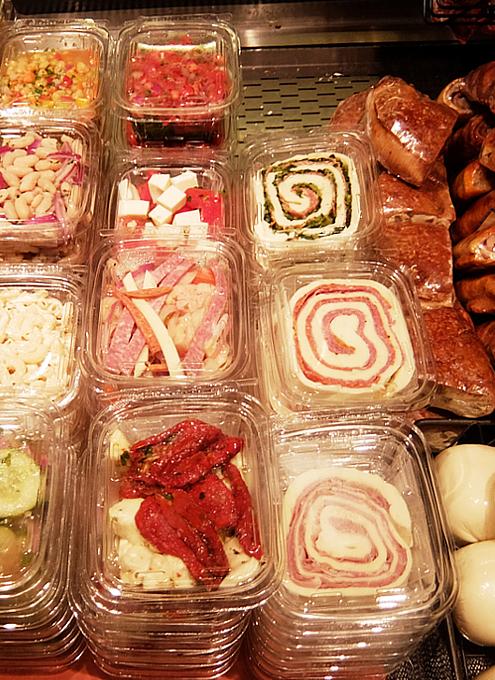 『ぐるぐる巻いて美味しくする』老舗イタリア系食材屋さん、Ceriello Fine Foods_b0007805_02323642.jpg