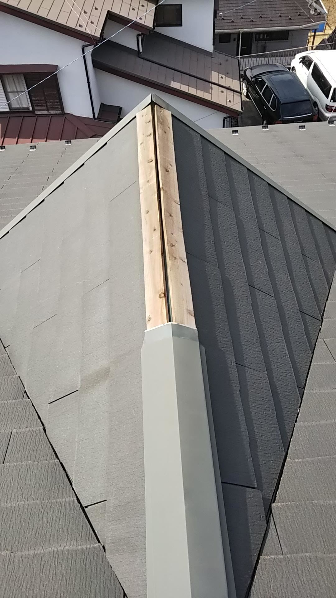 屋根の棟板金_d0358411_19090978.jpg