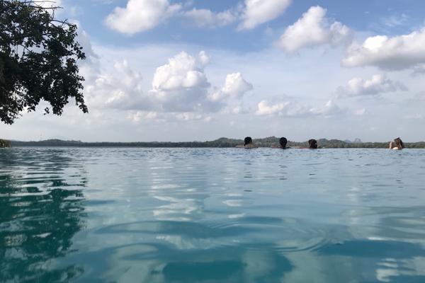 ■ Geoffrey Bawa (ジェフリー・バワ)の美学にふれるスリランカの旅 2日目 カンダラマ_f0165030_11355422.jpg