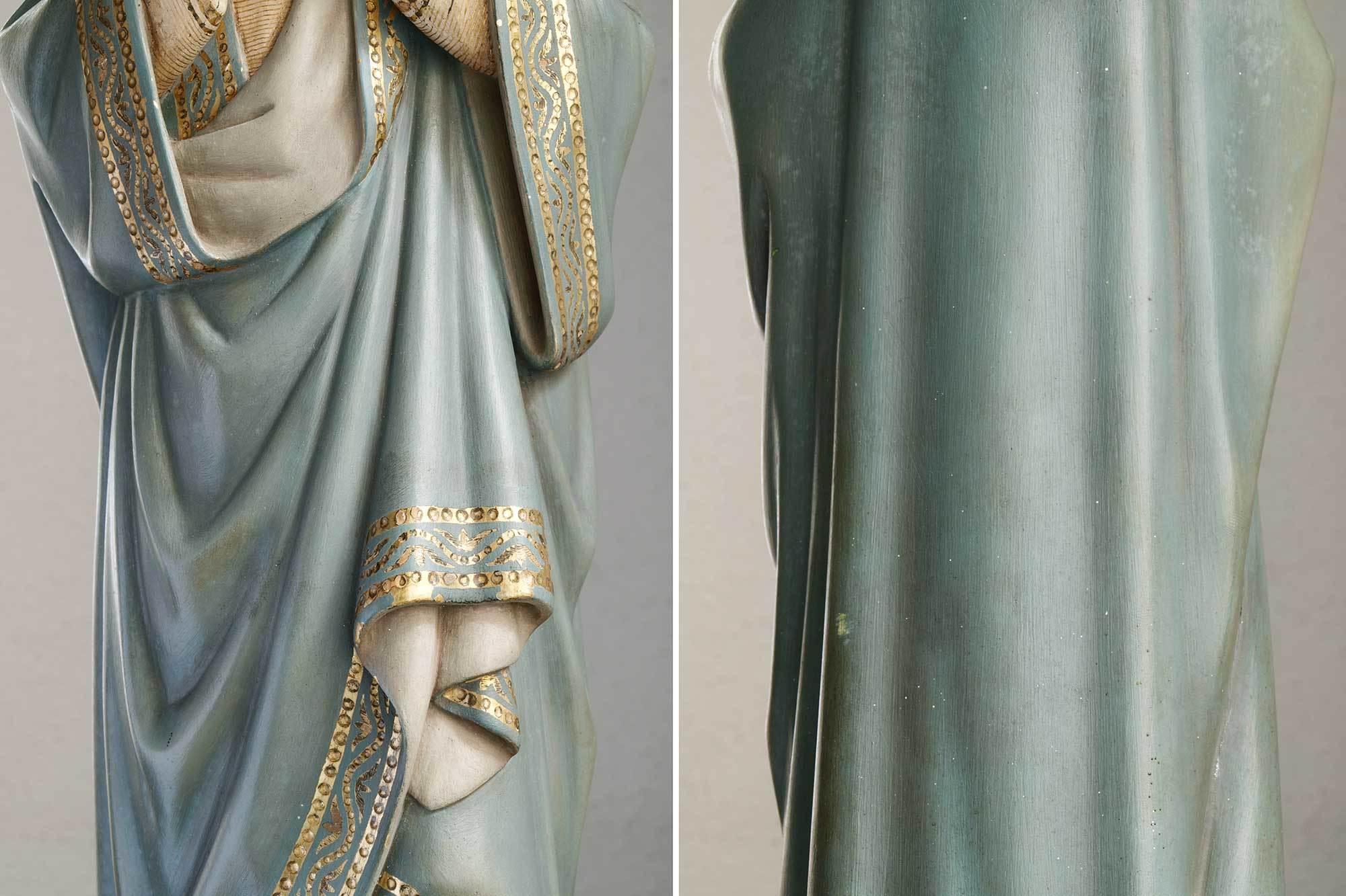 胸に手を当てる聖母マリア像   /G694_e0324838_01572462.jpg
