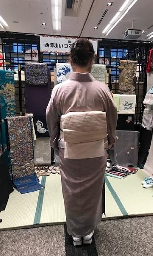 サローネ・単衣の紬に藤布の帯・しな布の帯のお客様。_f0181251_18255177.jpg