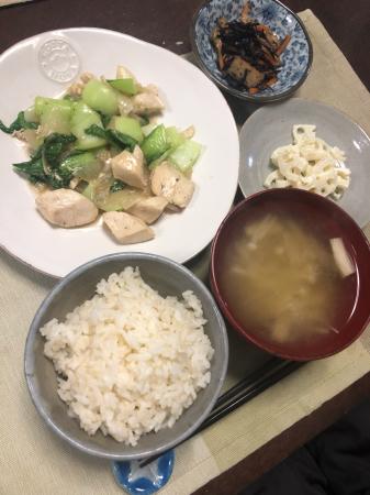 鶏肉とチンゲン菜の炒め物_d0235108_22013567.jpg