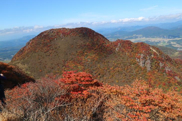 三俣山の紅葉に感動する!(令和元年10月22日)_e0272335_748447.jpg